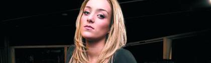 Lea Castel - Derniere Chance feat. Soprano